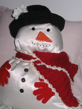 Pillow Snowman To Delight The Kids The Artful Crafter