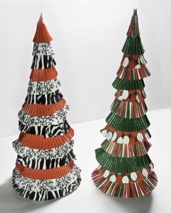 Cupcake Liner Christmas Trees in Black, White & Red