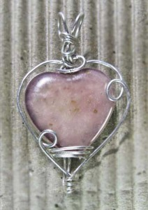 Wire Wrapping a Heart Pendant - The Artful Crafter