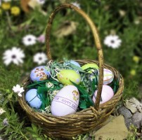 Easter Grass DIY Using a Pasta Machine